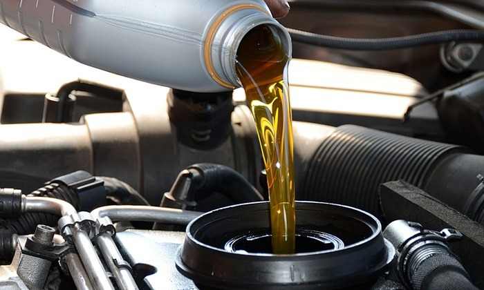 Changing Oil Car