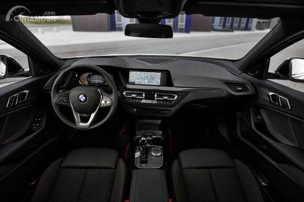 Review of the All New BMW 118i Sport Line F40 2020