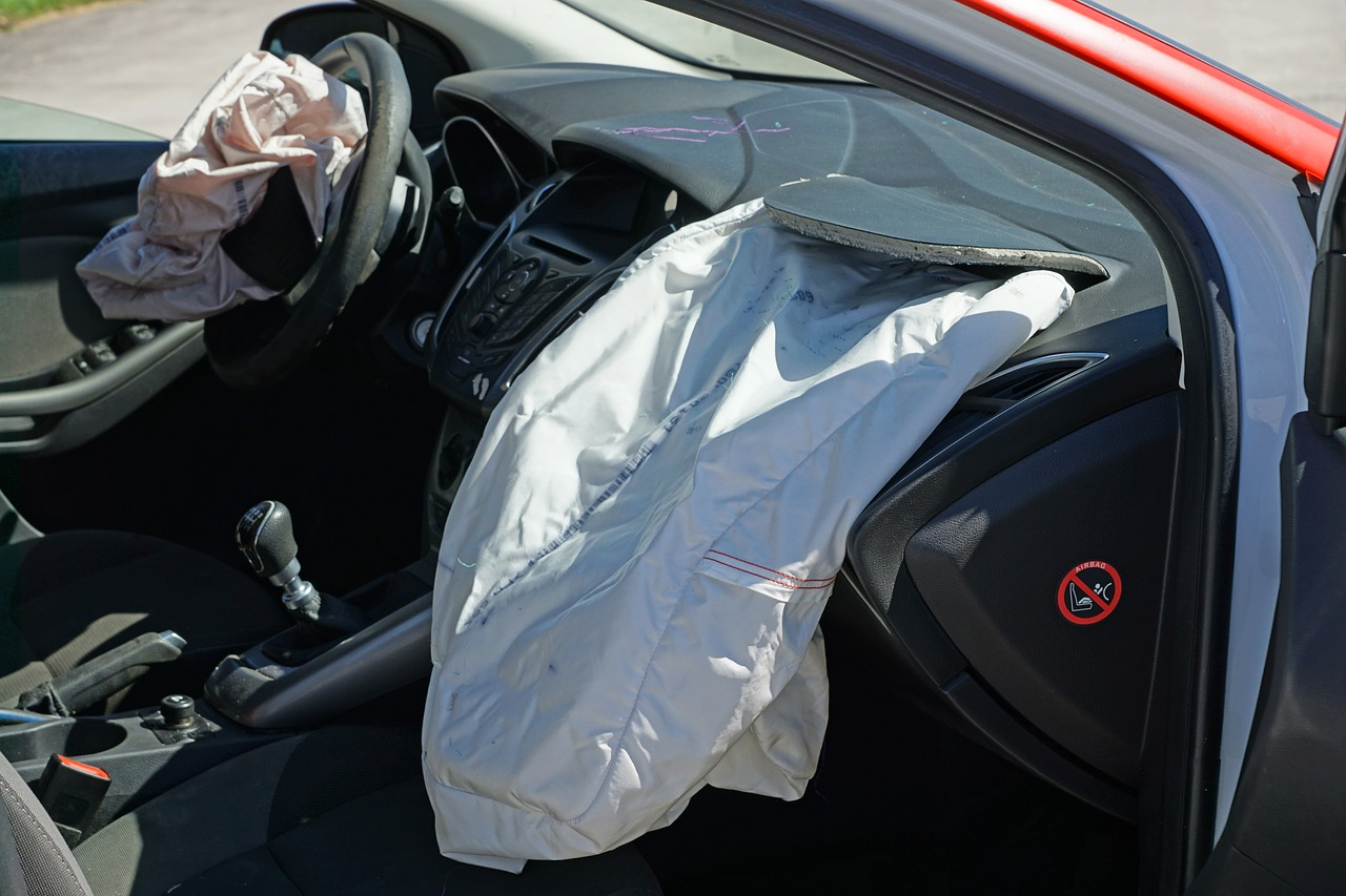how Airbags are fixed after an accident